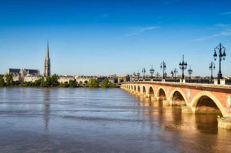 /Assets/Desktop/CruiseGallery/Thumb/Bordeaux_Bordeaux_ss_117152740_bridge_gallery.jpg