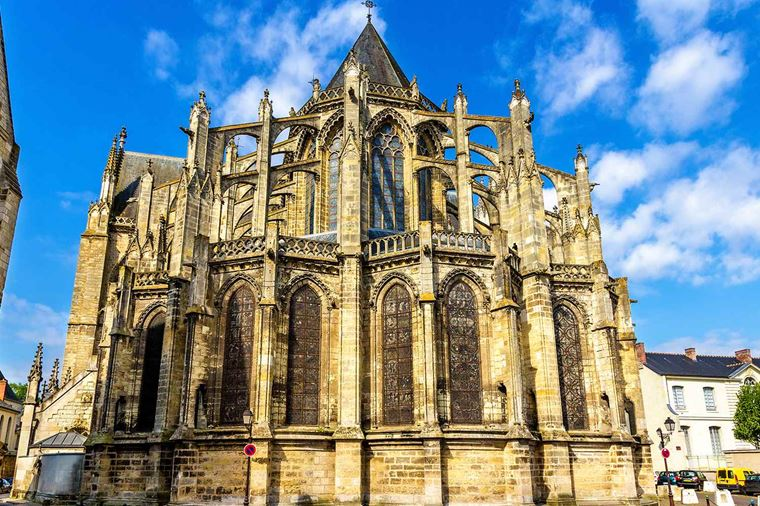 /Assets/Desktop/CruiseGallery/Thumb/Bordeaux_FRANCE_Tours_SaintGatiensCathedral_ss_353087657_gallery.jpg