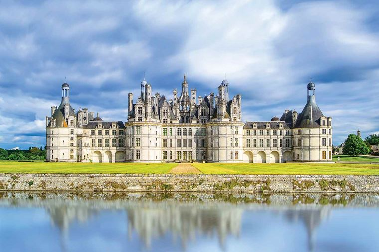 /Assets/Desktop/CruiseGallery/Thumb/bordeaux_LoireValley_ChateauChambord_144635972_gallery.jpg