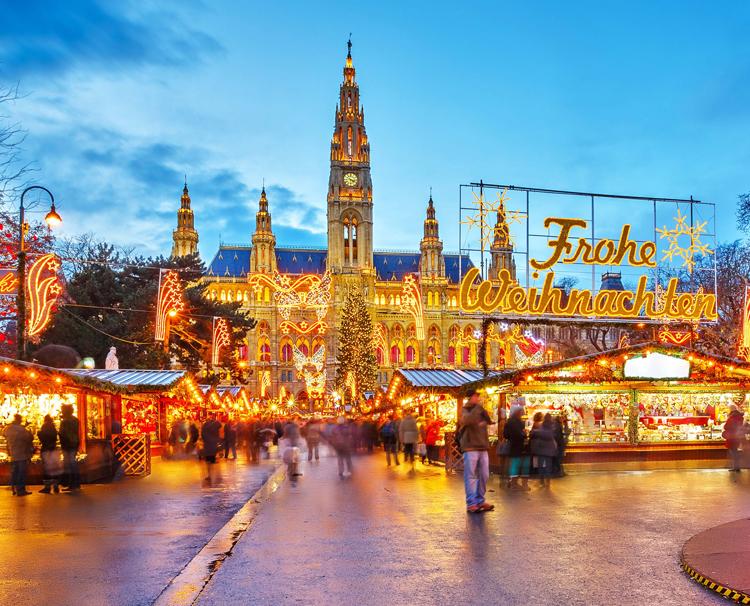 Christmas Market Cruise Danube 2020 2020 Christmas Market Cruises | AmaWaterways™