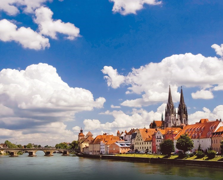 https://www.amawaterways.com/Assets/Desktop/Cruises/danubeserenade_regensburg_dailyprogram.jpg