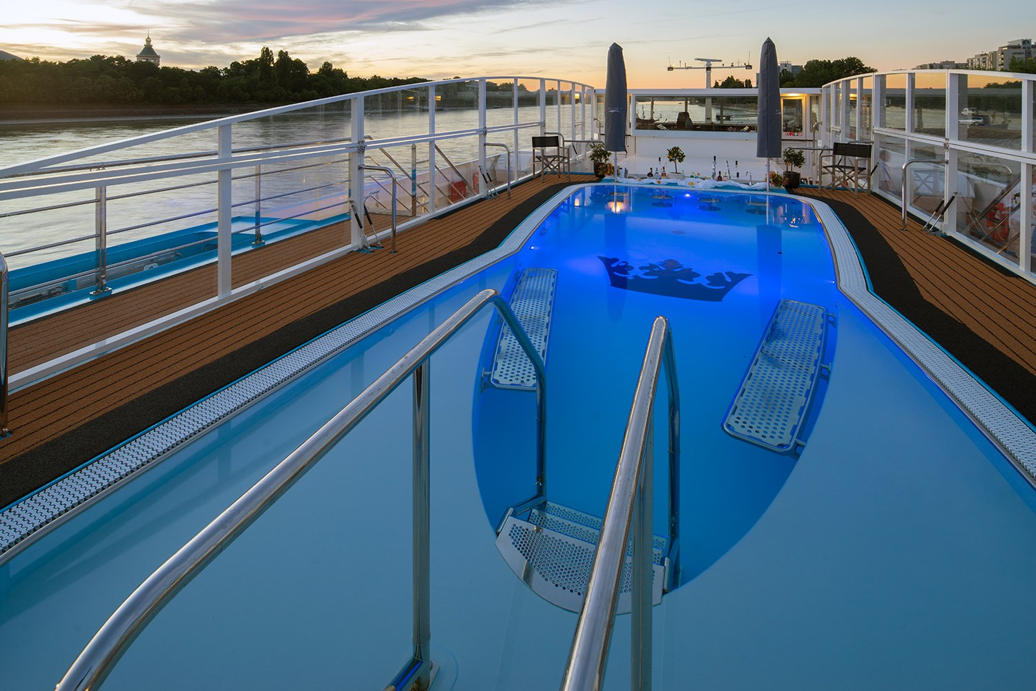 Amastella river cruise ship amawaterways for River cruise ships with swimming pool